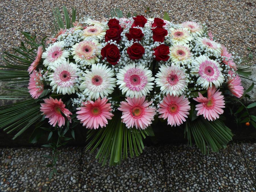 fiori per condoglianza ghirlanda copribara cesto fiori